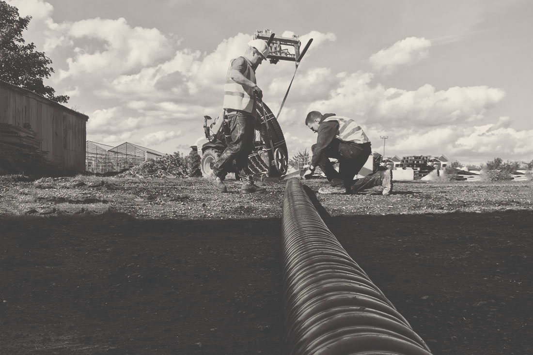 laying-pipe-black-and-white